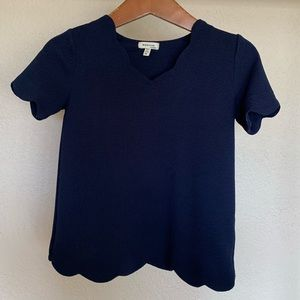 Other - Scalloped girls shirt